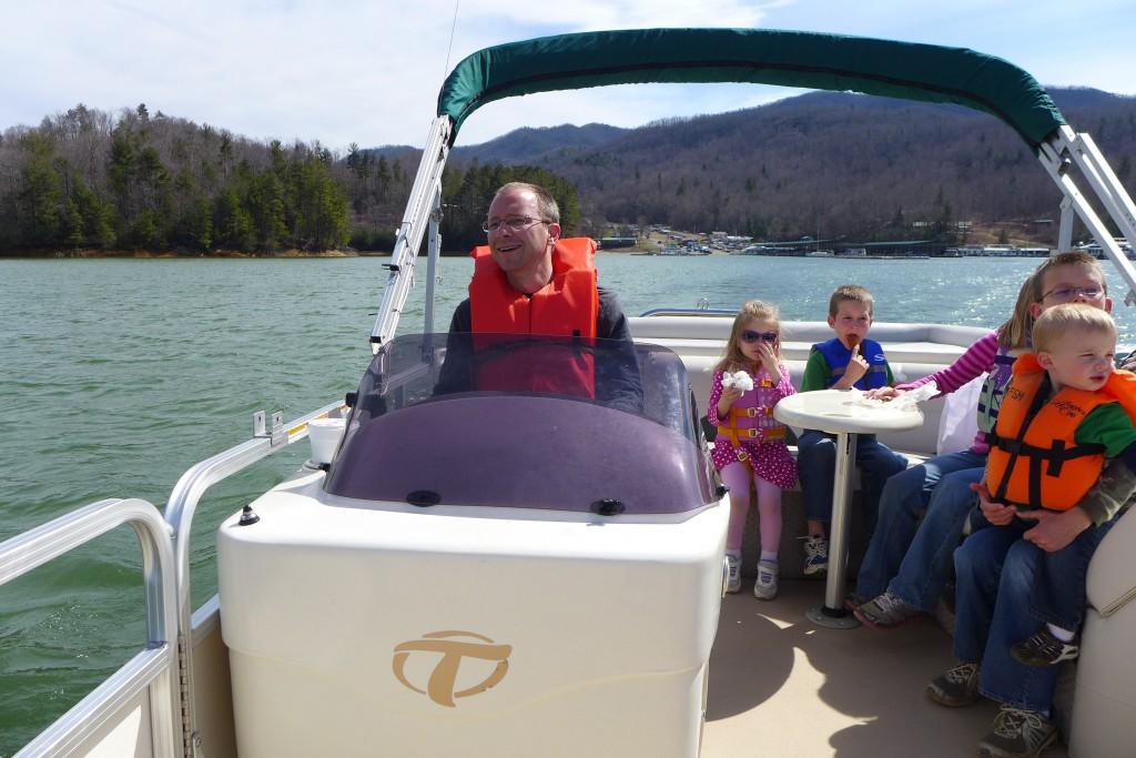 Pontoon Boat- Duff