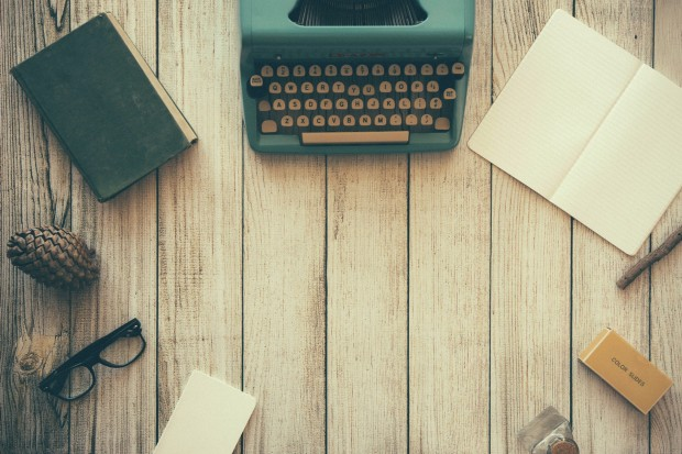 typewriter-801921_1920-2